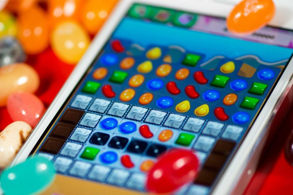 Social Network Games such as Candy Crush Saga have redefined the casual gaming experience of the next generation